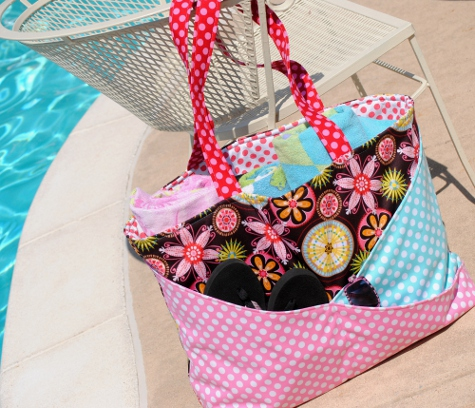 The Sunny Days Waterproof Pool & Beach Bag A Tutorial & 52 (Family ...